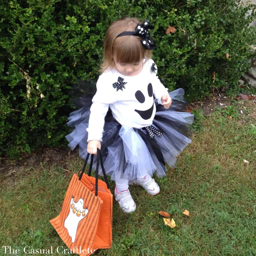 DIY Girl's Ghost Tutu Costume by The Casual Craftlete