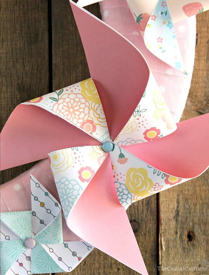 Pinwheel Summer Wreath 2