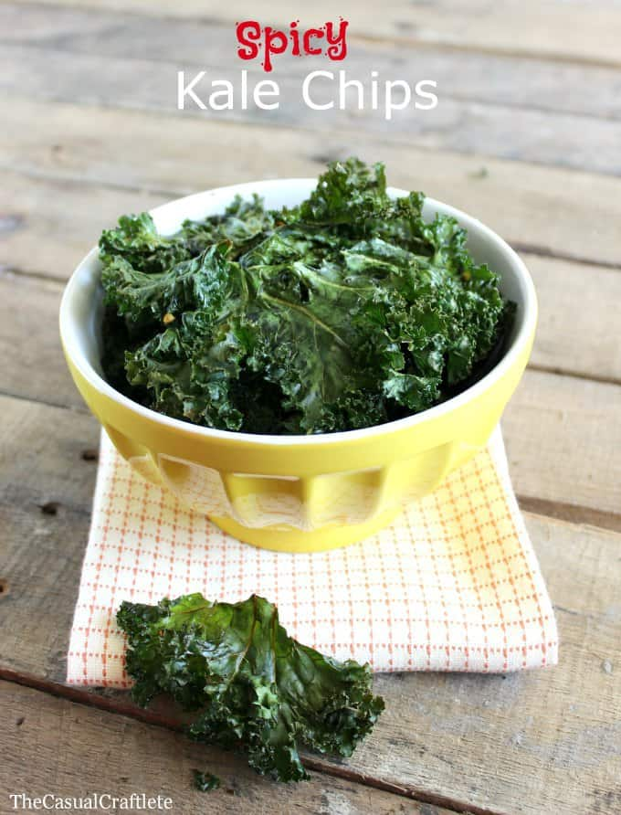 Spicy Kale Chips The Casual Craftlete #spicykalechips #kalechips #healthy #recipe