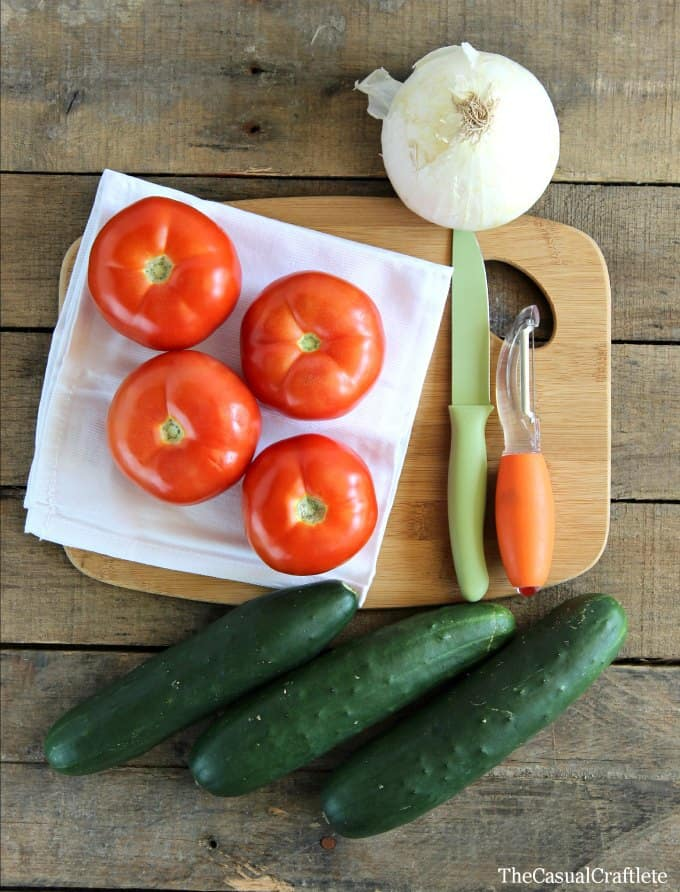 Cucumber Tomato Onion Salad  TheCasualCraftlete