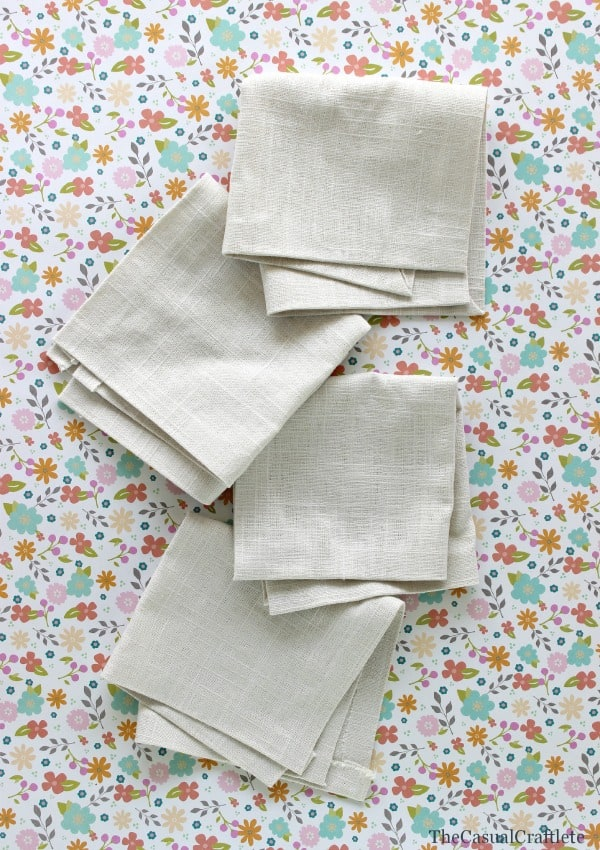 No-Sew Linen Napkins from www.thecasualcraftlete.com for  www.placeofmytaste.com