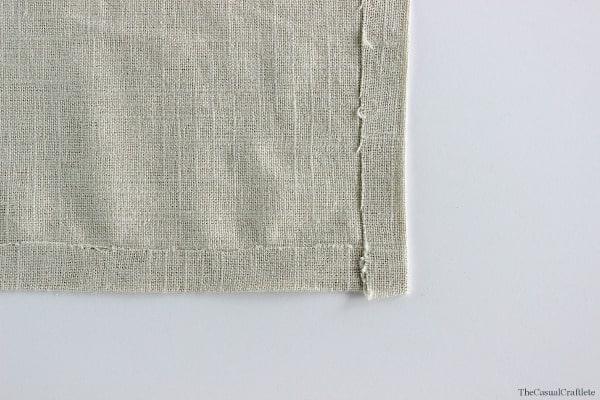 No-Sew Linen Napkins  thecasualcraftlete.com