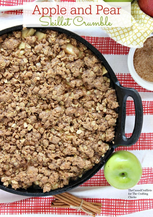 Apple and Pear Skillet Crumble by www.thecasualcraftlete.com for www.thecraftingchicks.com