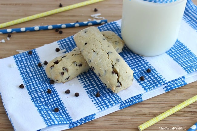 Chocolate Chip Cookie Dunkers by The Casual Craftlete for Oh My! Creative