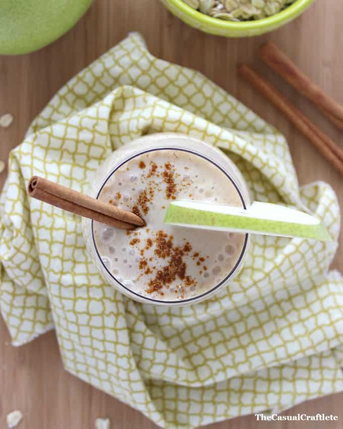 Cinnamon Pear Smoothie by www.thecasualcraftlete.com