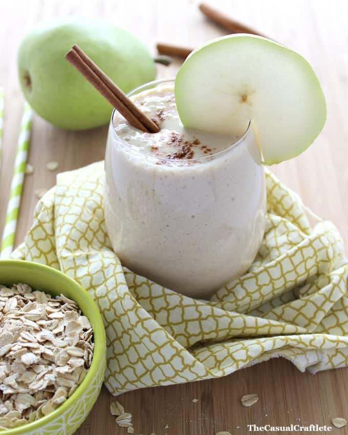 Cinnamon Pear Smoothie from www.thecasualcraftlete.com