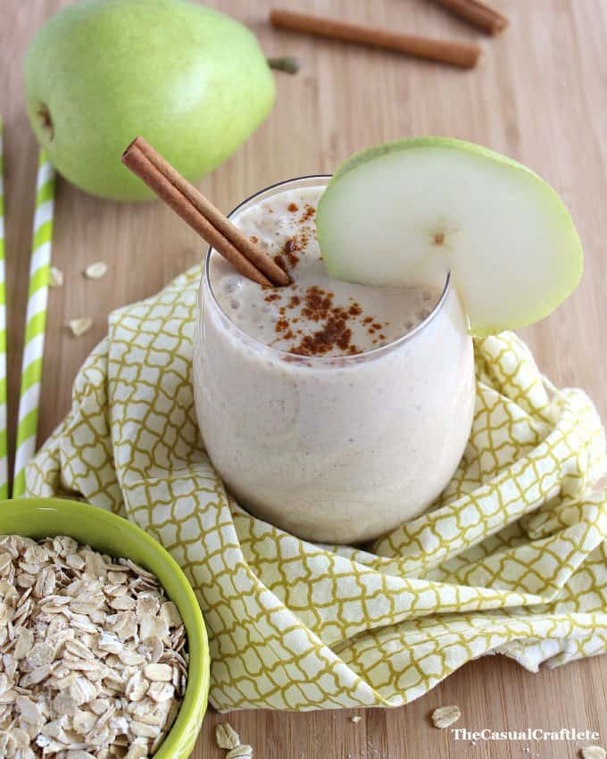 Spiced Pear Smoothie by www.thecasualcraftlete.com