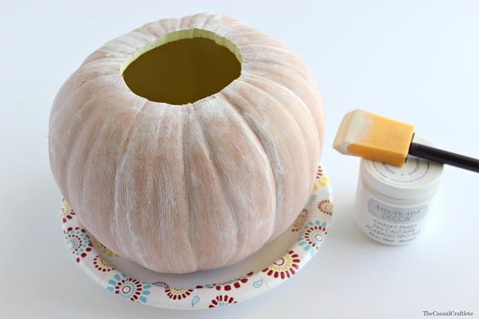 White Chalky Paint Pumpkin by www.thecasualcraftlete.com