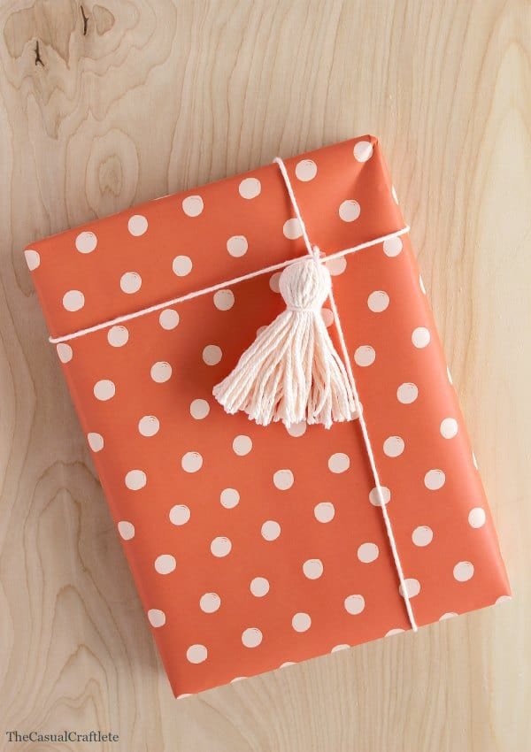 Cute DIY Yarn Tassel Packaging
