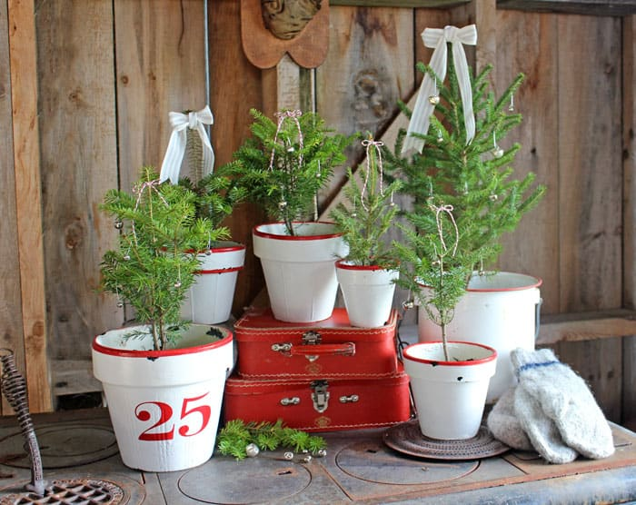 Vintage-Christmas-tree-pots