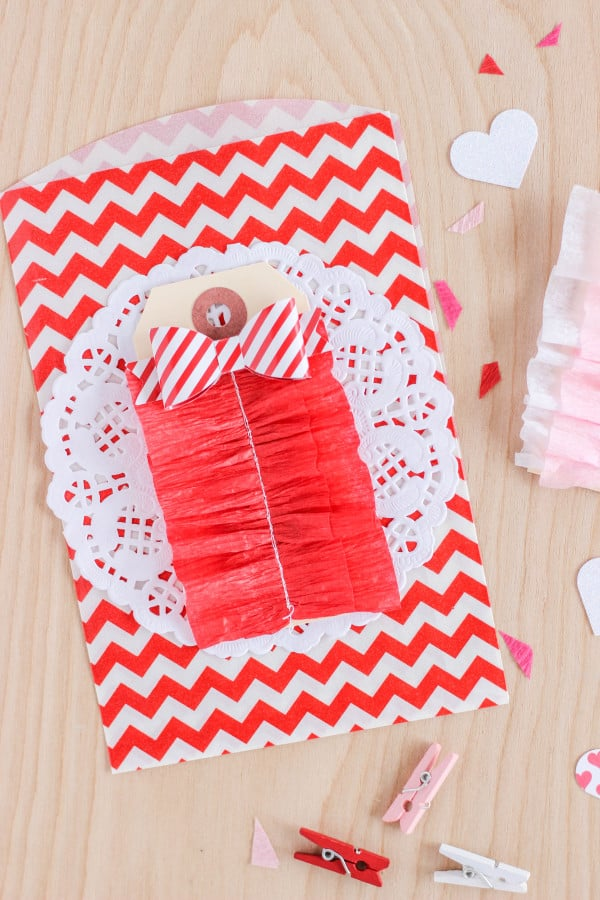 Adorable Ruffled Crepe Paper Tags