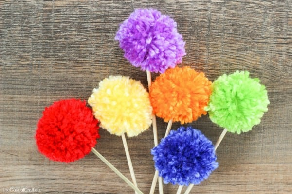How to make a pom pom cake topper