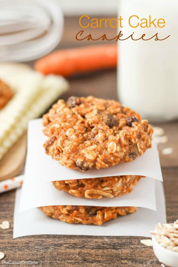 Carrot Cake Cookies - soft and chewy oatmeal cookies that tastes just like a classic carrot cake