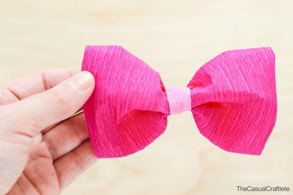 Easy to make crepe paper bow