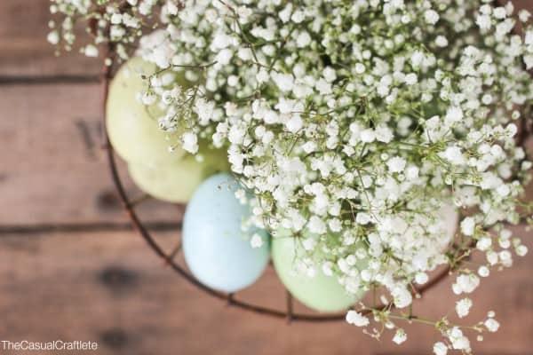 Easy Easter Floral Arrangement