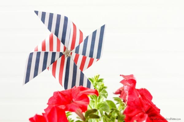 DIY Patriotic Red, White and Blue Pinwheel