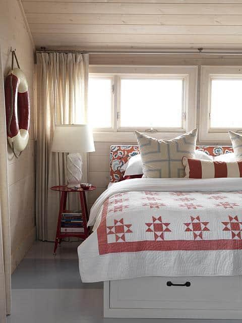 sarahs-cottage-master-bedroom1