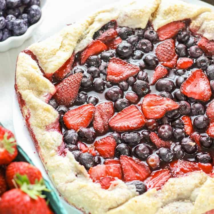 Rustic Strawberry Blueberry Pie – Red White and Blue Blog Hop
