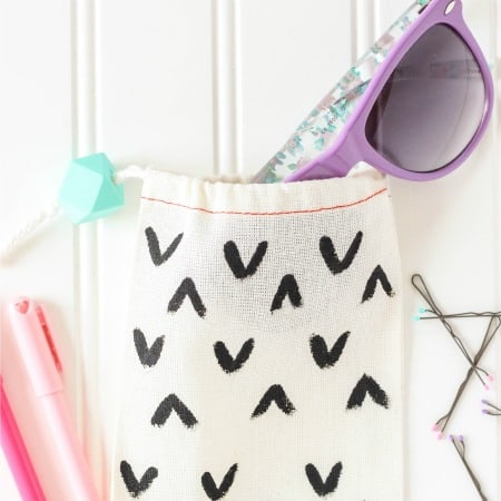 DIY Sunglasses and Accessories Bag