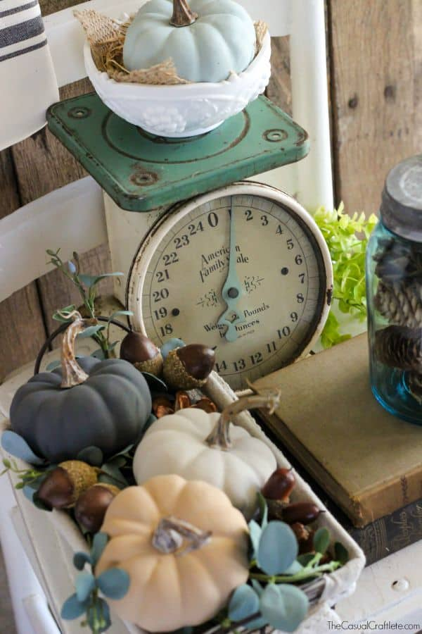 Simple and Easy Vintage Fall Decor