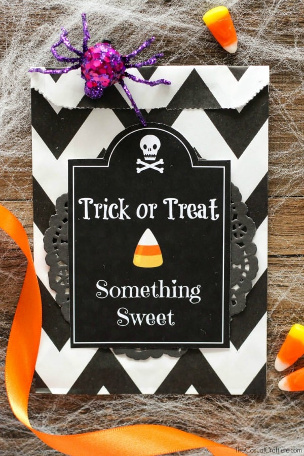 FREE Halloween Treat Bag Printable - great for parties and school!