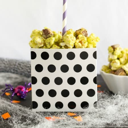 Snickers Caramel Apple Popcorn