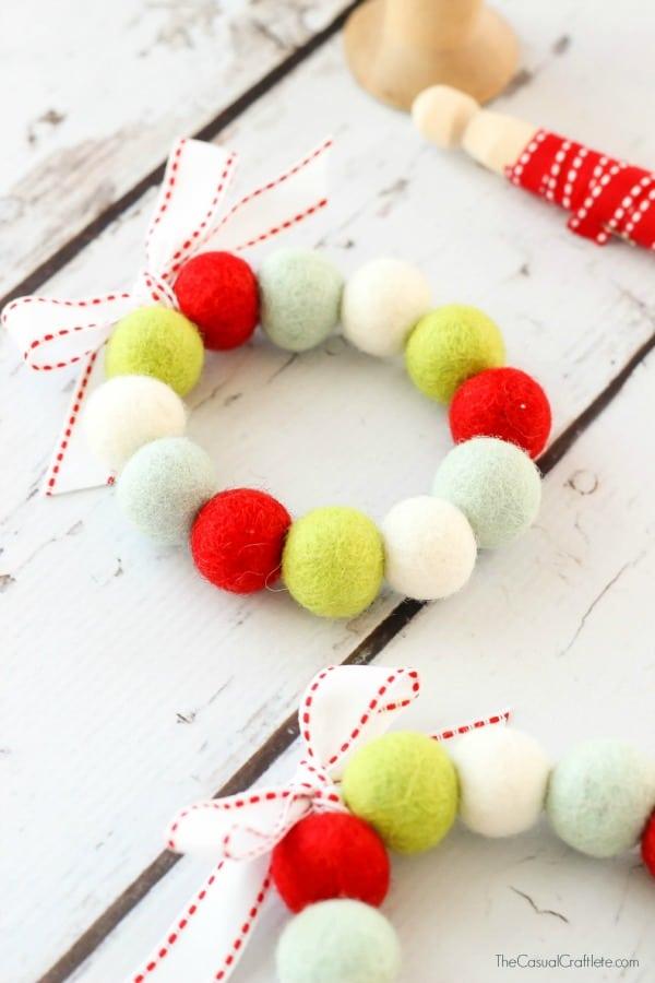 Easy to make Felt Ball Wreath for Christmas