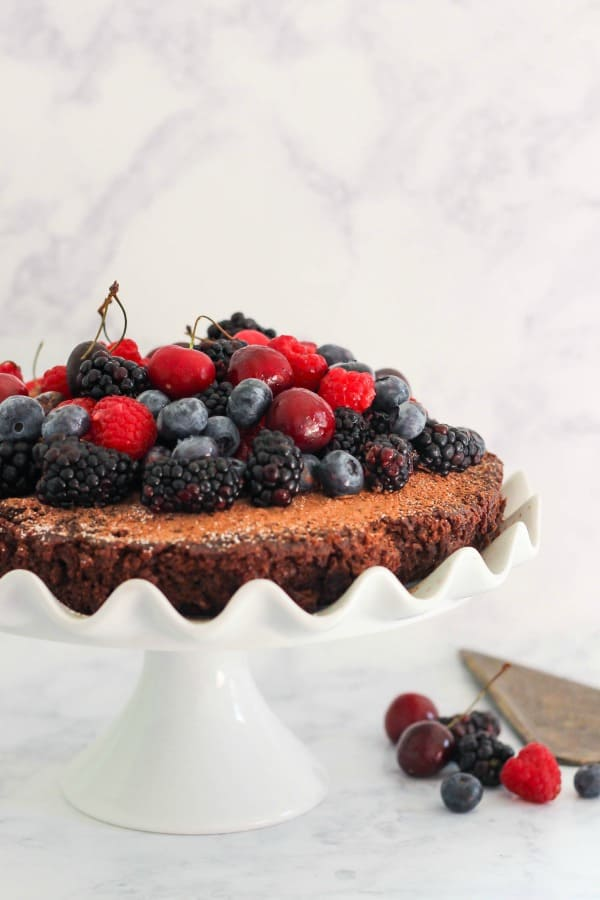 Single Layer Chocolate Cake with Fresh Berries