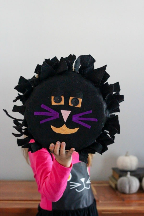 This Halloween Felt Black Cat is an easy and cute DIY craft that is purrfect for decorating if you dare. The fuzzy feline will make a cute addition.