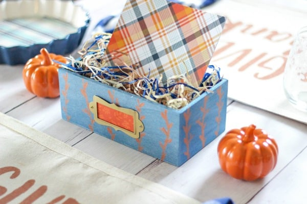 Blue and Copper Tablescape - create a beautiful and inexpensive table setting for Thanksgiving this year.