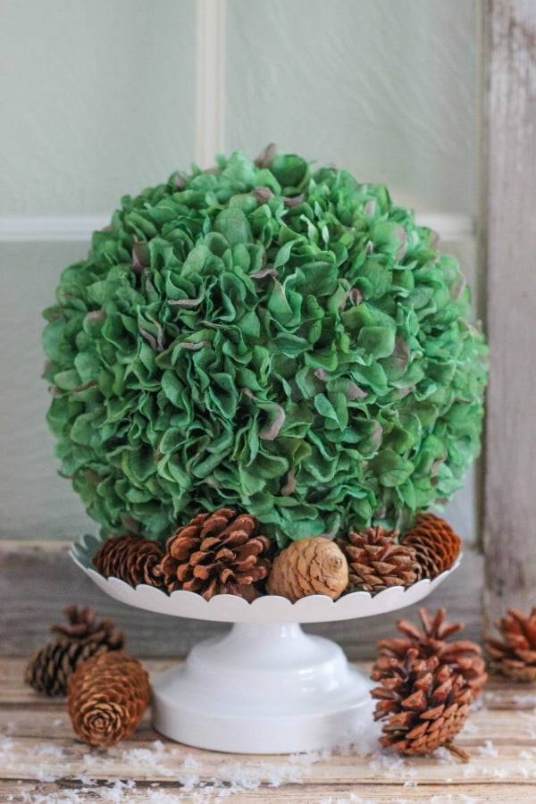 Easy to Make Hydrangea Ball is a beautiful way to bring greenery inside the home during the winter months. This bouquet is a pretty home decor idea.
