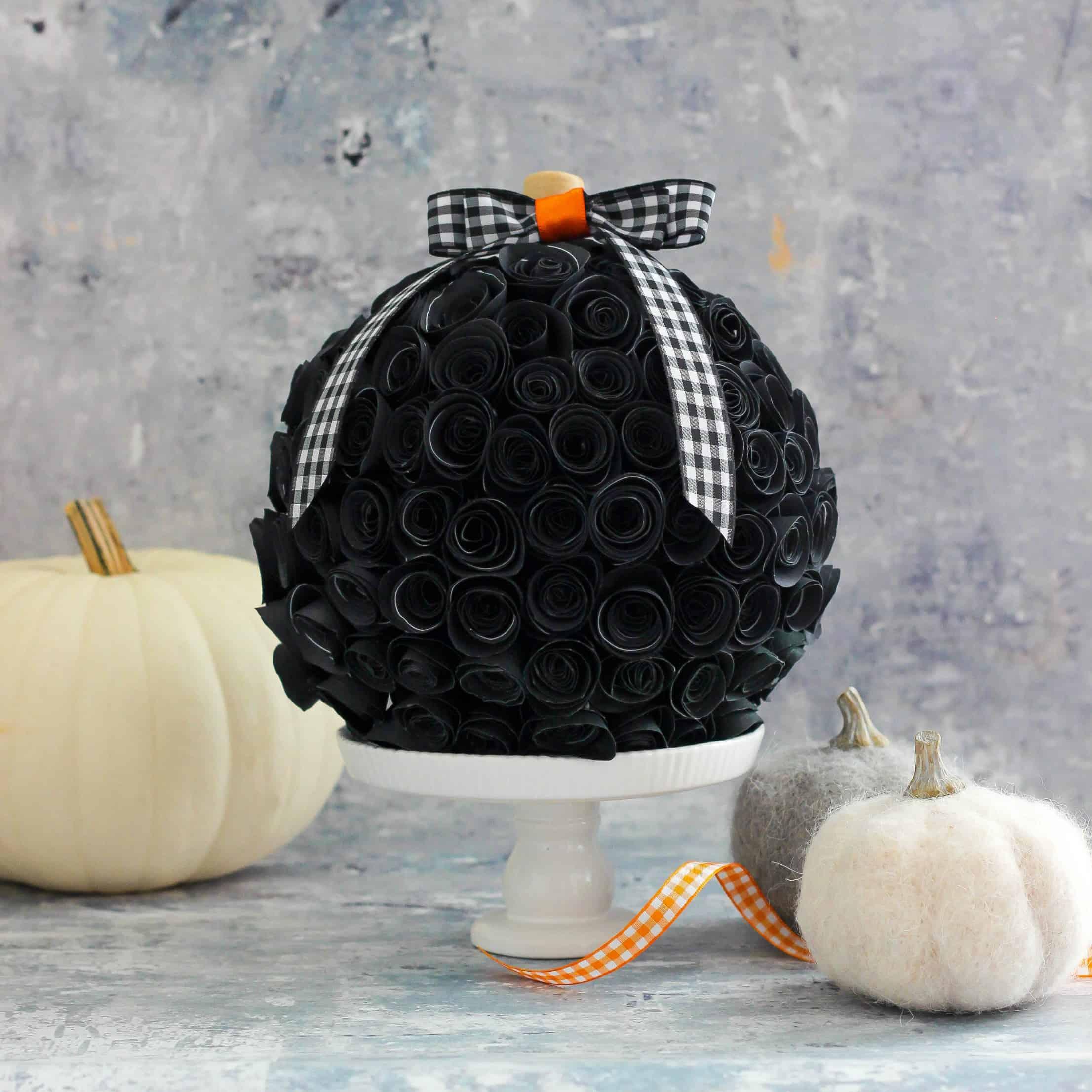 Rolled Paper Flower Pumpkin