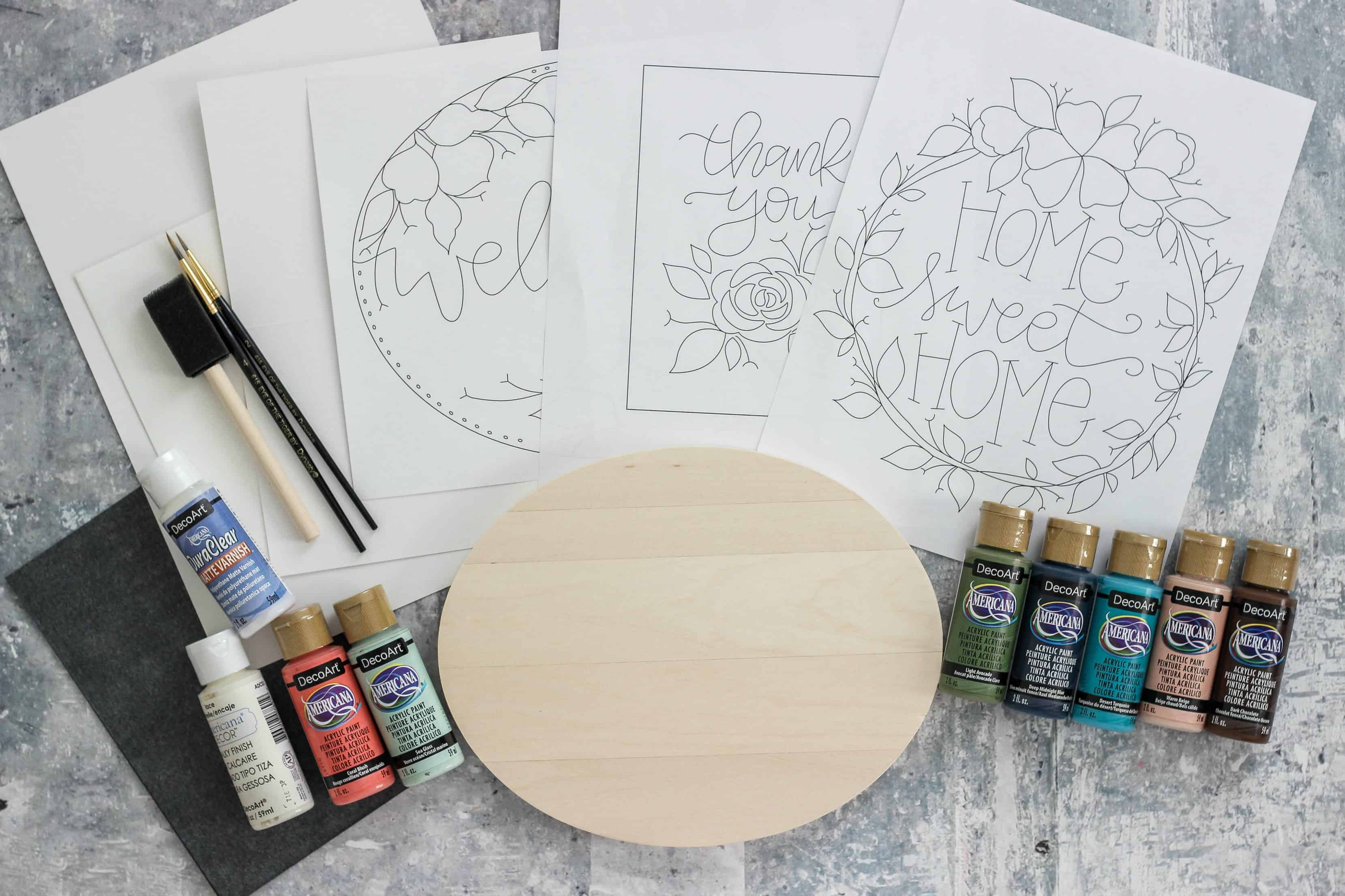 Learn to paint online with Make with Paint, a program which offers online classes for beginners who want to learn to paint. #MakewithPaint #decoartprojects