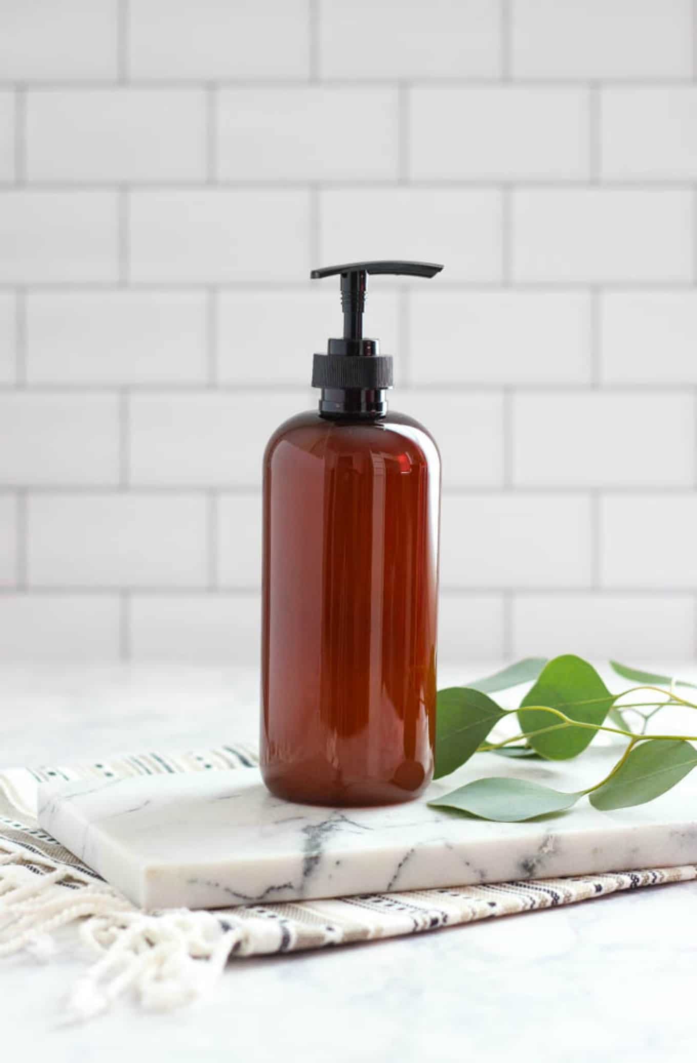Money Saving Castile Soap Recipe is an all-natural, safe liquid hand soap that cleanses and soothes. #diy #soap #homemandsoap #soaprecipe #healthandbeauty