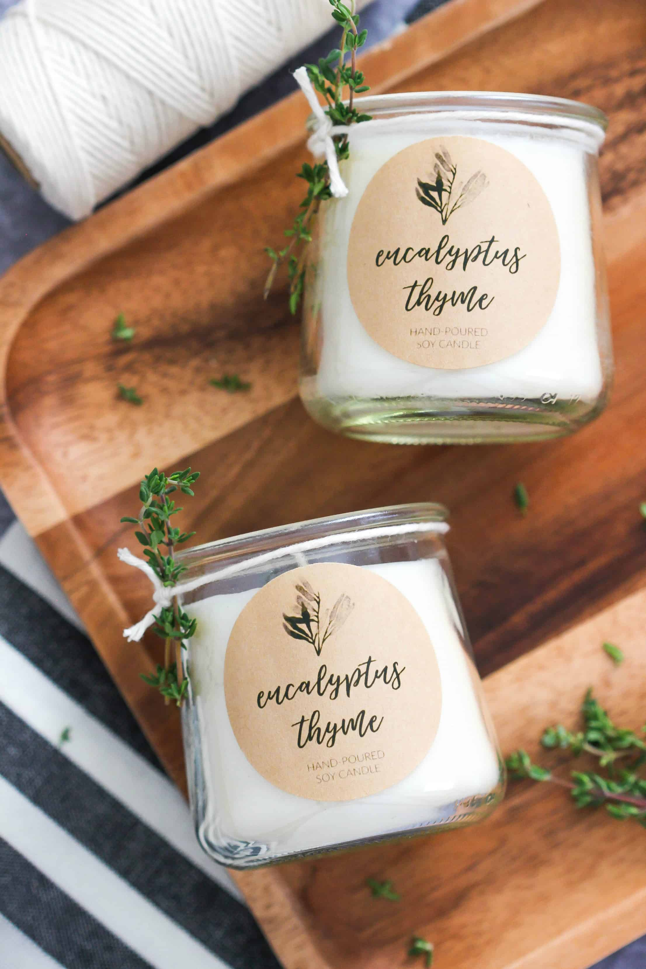 DIY Eucalyptus & Thyme Soy Candle with printable label is a simple candle recipe made with essential oils and a wonderful gift idea! #diycandle #soycandle #candlemaking