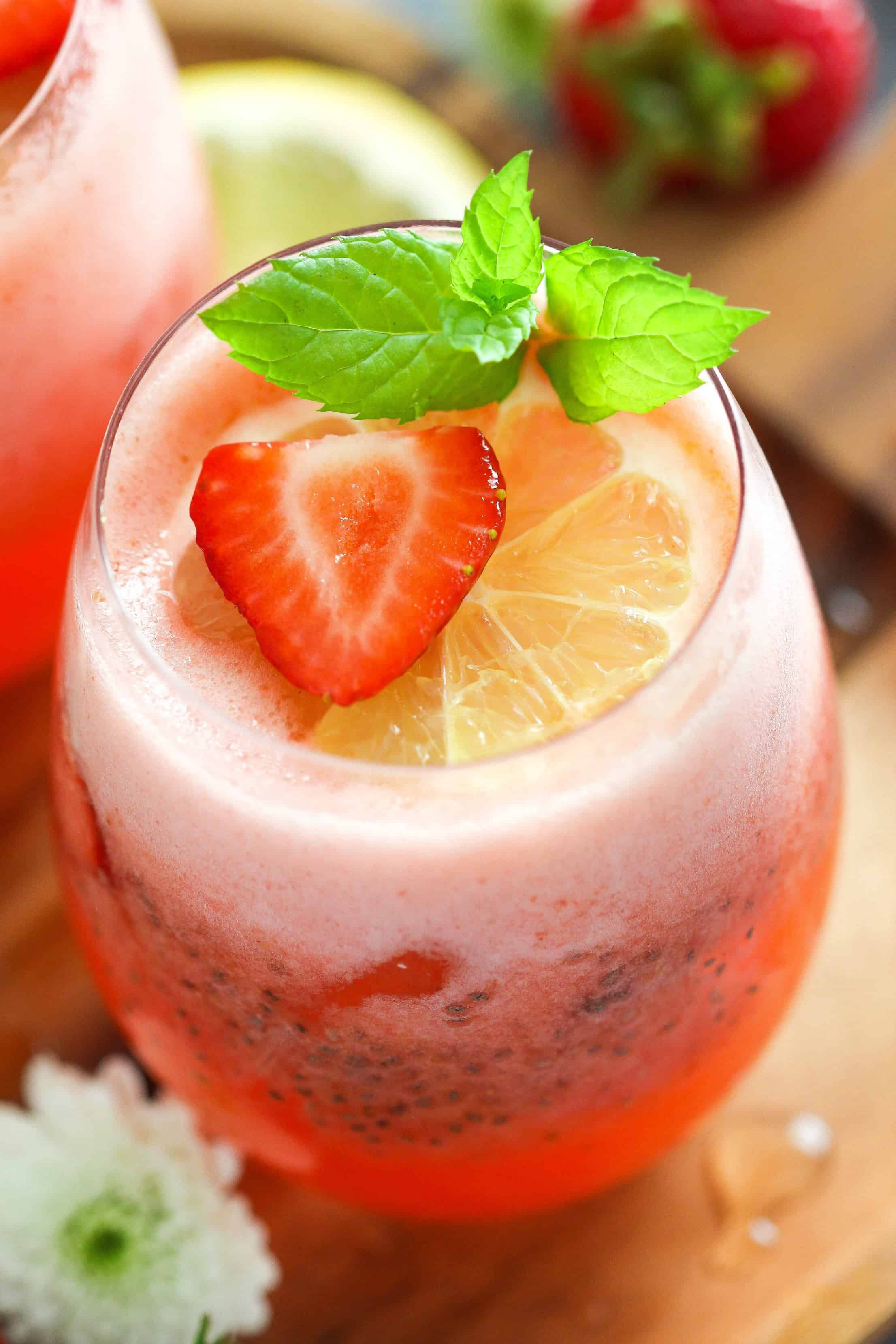 Chia Seed Drink Strawberry Lemonade with Chia Seeds